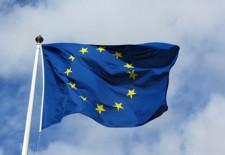 Drapelul UE va fi afişat obligatoriu în sălile de clasă din Franţa, alături de cel naţional