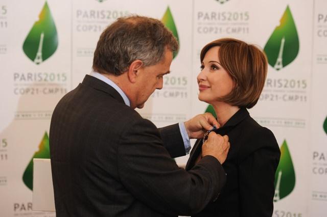 investită cu Ordinul de Merit Francez de Fostul ambasador al Frantei, Francois Saint-Paul