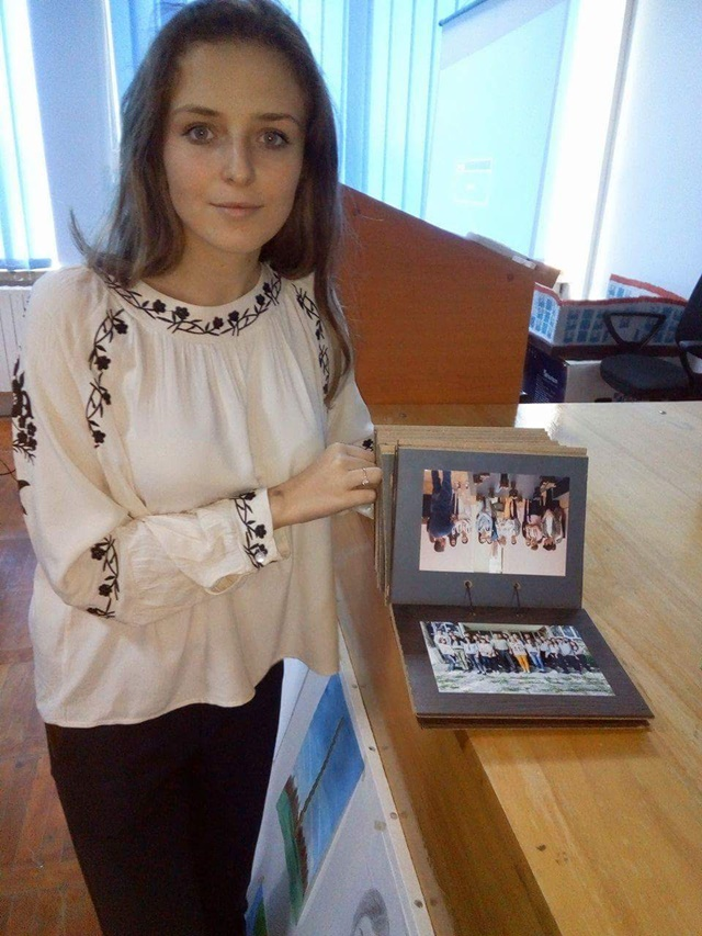 Album personalizat din placaj realizat de eleva Antonia Uretyan