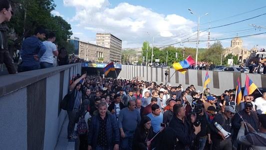 Inf. 594 - Armenia protest revolutie