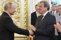 Scandalos/ Influent fost cancelar german îl felicită călduros pe Putin la învestire
