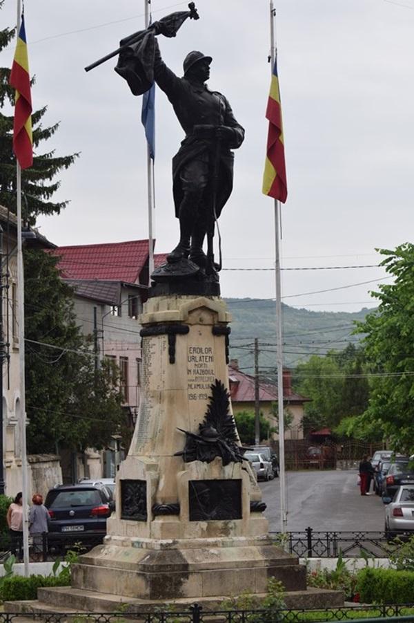 Monument Urlati