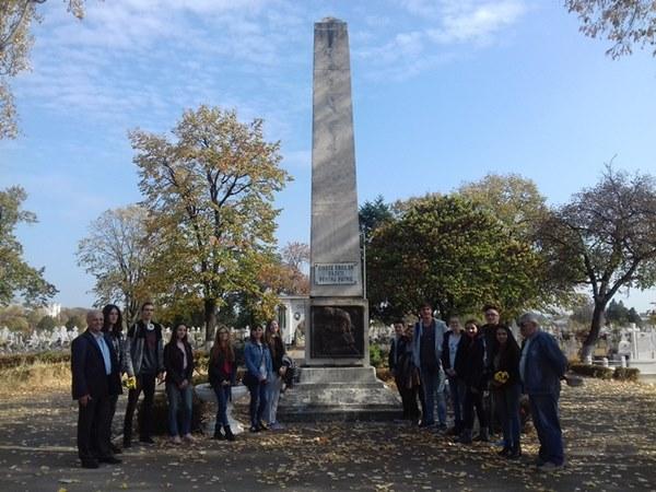 Excursie tematică la Cimitirul Eroilor din Ploieşti