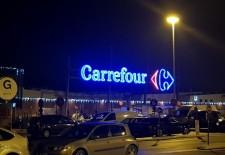 Guvernul francez va bloca înstrăinarea lanțului de supermarket-uri Carrefour